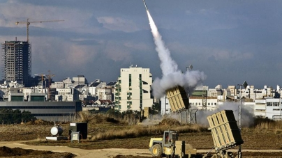 Breaking! Tel Aviv Under Fire. Iron Dome Shoots Down Missile